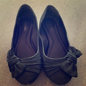 Soda Black Ballet Flats with Bow - Size US 7.5